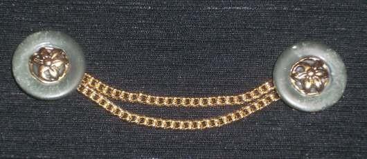 Trachtenknöpfe mit Kettchen oliv-gold Nr.5